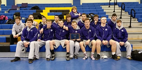The Wildcats pose for a team picture after going 4-1 and taking 2nd place at the 4th Annual Parsons Viking Duals.